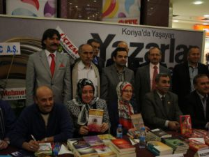 Konyalı yazarlar Kulesitede imza dağıttı