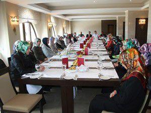 Fahri Kuran Kursu öğreticilerinin kadro sevinci