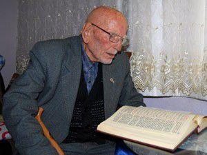 O, Türkiyenin en yaşlı emekli polis memuru