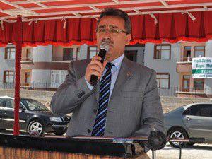 Karatay Belediyesi 860 fidanı toprakla buluşturdu