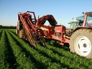 Çiftçiler ilaçlama konusunda uyarıldı