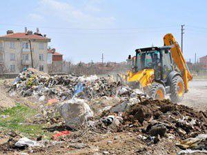 Akşehirdeki molozlar temizleniyor