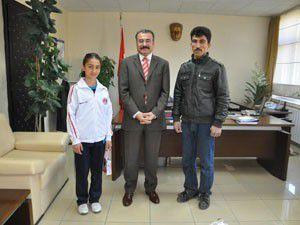 Balkan Şampiyonu Kaymakamı ziyaret etti