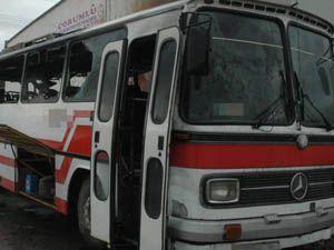 İşçileri taşıyan otobüs yandı