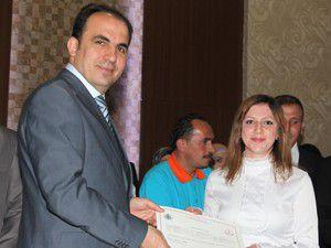 İşaret dili kursunu bitiren kursiyerlere sertifika