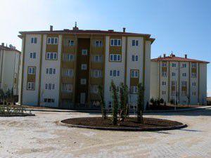 Emirgazide kalan 12 TOKİ evi satışa çıktı
