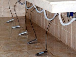 Umumi tuvaletlerde pedallı musluk dönemi