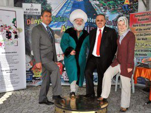 Katırcı ve Akman Akşehir standını ziyaret etti