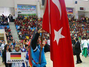 Konyada Rumi Çocuk Spor Oyunları başladı