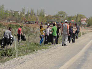 Öğrenciler Beyşehir Gölünün kıyılarını temizledi