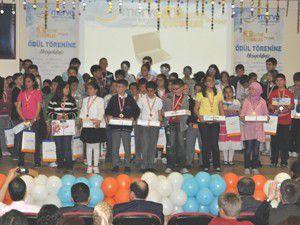 Merve Eğitim Kurumlarında ödül töreni heyecanı