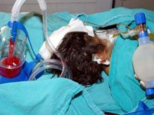 2 yaşındaki çocuğu ölesiye dövdüler