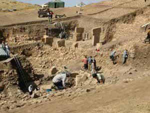İnsanoğlu 12 bin yıl önce ölüleri gömmüyordu