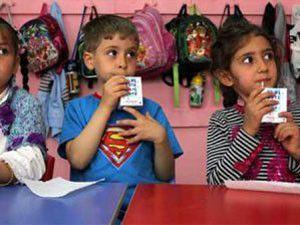 Okul sütü 50 öğrenciyi zehirledi
