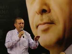 Başbakan Erdoğan muhalefete yüklendi