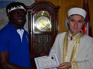 Fildişi Sahilili Paul, müslüman oldu