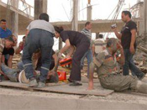 Otogar inşaatının çatısı çöktü: 10 kişi göçük altında
