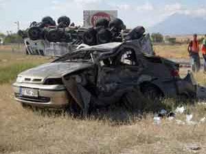 Düğün dönüşü feci kaza : 3 ölü