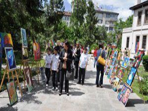 TED Koleji öğrencilerinden resim sergisi