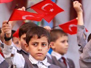 Gazzedeki okullarda Türkçe dersi hazırlığı