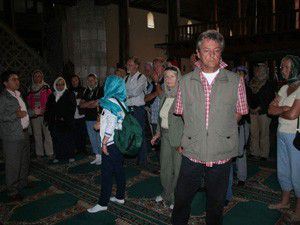 Yabancı turistlerin ezan ilgisi