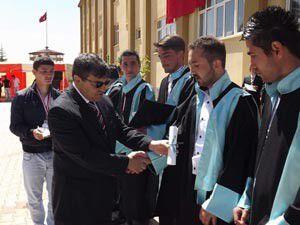 Huğlu MYOda mezuniyet sevinci