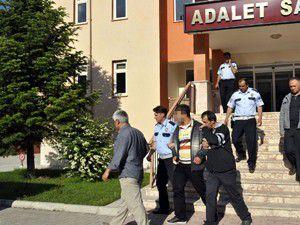 Seydişehirde bıçaklı kavga: 5 kişi yaralandı