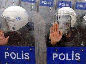 Polise yeni cop
