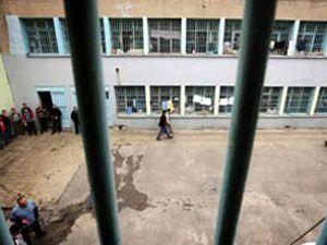 Cezevlerinde toplam kaç bin kişi var?