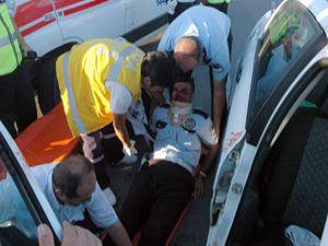 Konyada trafik polisleri ölümle burun buruna geldi