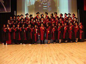 Kadir Yallagözde mezuniyet sevinci