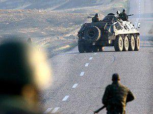 Askerlerin geçiş yolunda 100 kg bomba bulundu