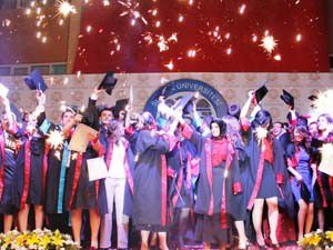 İktisadi ve İdari Bilimlerin mezuniyet coşkusu