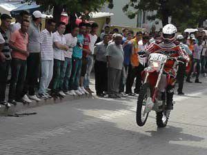 Kuluda tek teker motokros şov