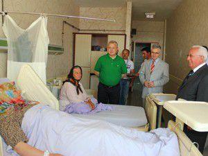 Özbuğday Kandilde hastaları ziyaret etti