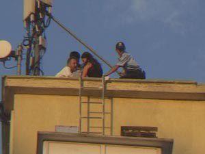 İntihar etmek için otelin çatısına çıktı