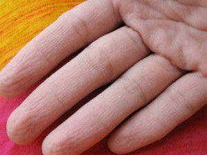 Kuaför parmaklarından çıkana şaştı kaldı