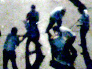 Dayakçı polislerden 2si daha açığa alındı