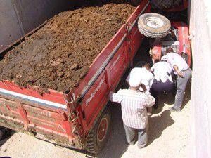 Akşehirde traktör devrildi: 1 ölü!