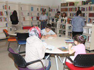 Selçuklu, öğrencileri kütüphaneye bekliyor