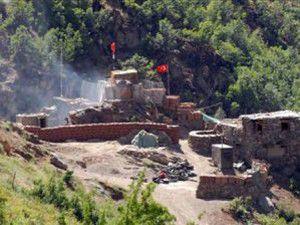 PKK, Türk Bayrağını indirmek için saldırmış