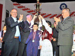 Akşehirde halk oyunları şampiyonası