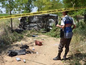 Konyada otomobil ağaca çarptı: 1 ölü, 2 yaralı