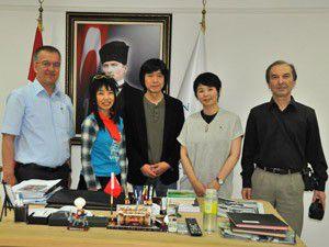 Japon sanatçıdan Başkan Oğula ziyaret