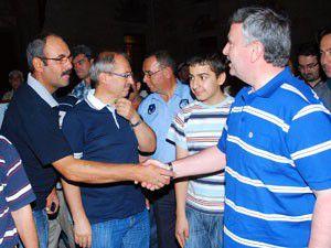 Akyürek kandili vatandaşlarla kutladı