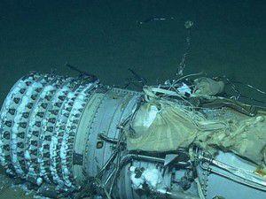 Şehit pilotların naaşı denizden çıkarıldı