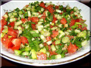 Salatayı yağsız yemeyin