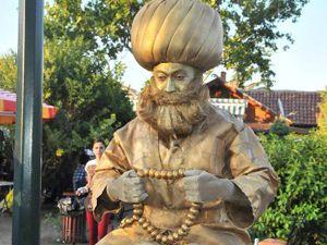Hocanın canlı heykeline büyük ilgi
