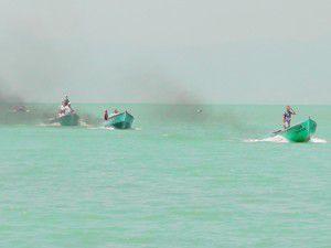 Beyşehirde balıkçılar tekneleriyle yarıştı