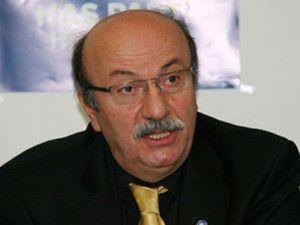 Mehmet Bekaroğlu istifa etti